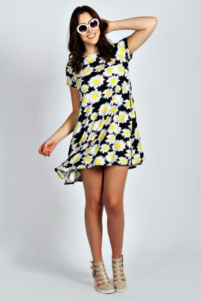 Plus Size Lily Daisy Print Short Sleeve Swing Dress