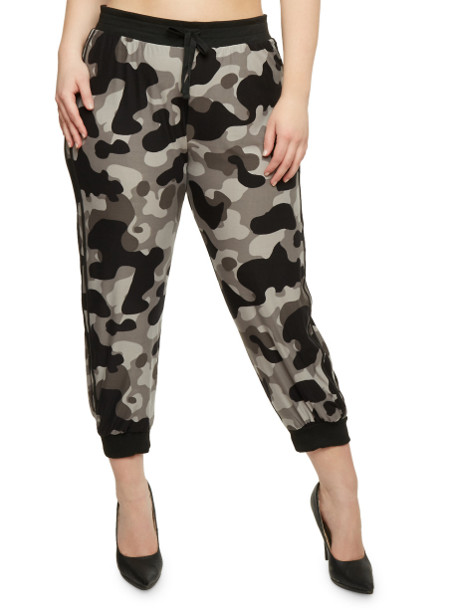 Plus Size Camouflage Print Jogger